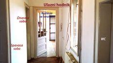 Salonski stan u centru Niša sa potencijalom za proširenje i nadogradnju