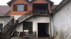 Prodaje se kuca sa dva stana,cena 50 000 EUR