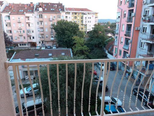 Trosoban stan,Extra,vlasnik Advokat-sigurna kupovina,ul.Koste Racina 31,NS - slika 3