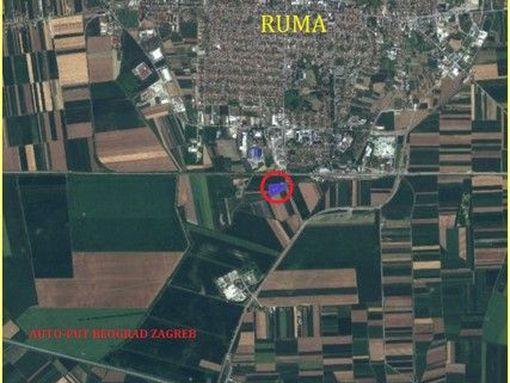 RUMA - Poslovni prostor na parceli površine 111 ari - slika 2