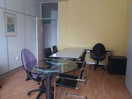 Namešten kancelarijski prostor u YBC - slika 3