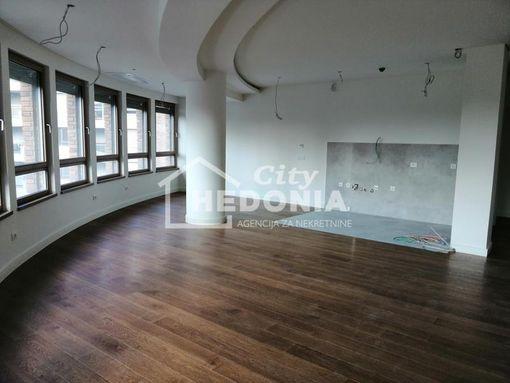 Nov atraktivan stan kod YUBC, sa 2 gar.mesta ID#5353 - slika 2
