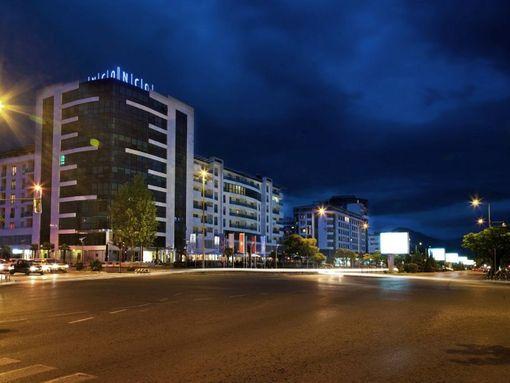 Podgorica,  bulevar Sv. Petra Cetinjskog  –  ekskluzivan dvosoban apartman 142m2 - slika 2