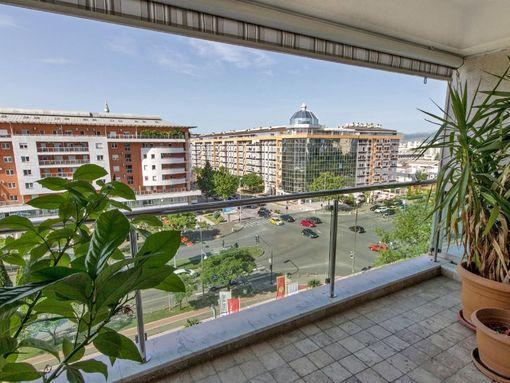 Podgorica,  bulevar Sv. Petra Cetinjskog  –  ekskluzivan dvosoban apartman 142m2 - slika 3
