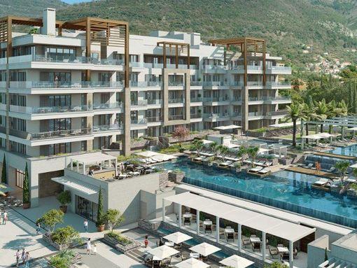 Porto Montenegro, Regent Pool Club – trosoban apartman s pogledom na bazen i more - slika 2