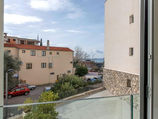Budva, Pržno – dvosoban luksuzan apartman pored hotela Maestral - slika 3