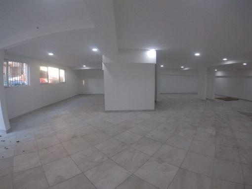 Izdaje se POSLOVNO-MAGACINSKI prostor pored soping centra AVIV PARK - slika 2
