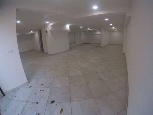 Izdaje se POSLOVNO-MAGACINSKI prostor pored soping centra AVIV PARK - slika 3