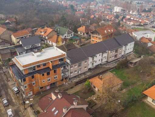 Lux stan u centru na prodaju 62m2 +12m2 gratis terasa - slika 2