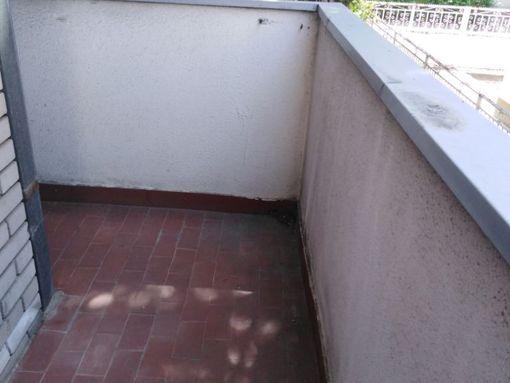 Zemun-KRAJIŠKA 41m   ima lođu       bela fasadna- povoljno - slika 3
