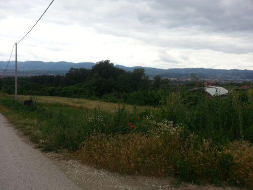 30ari u Ljubiću (Čačak) - 10 min do centra Čačka. Poseduje komplet infrastrukturu - slika 3