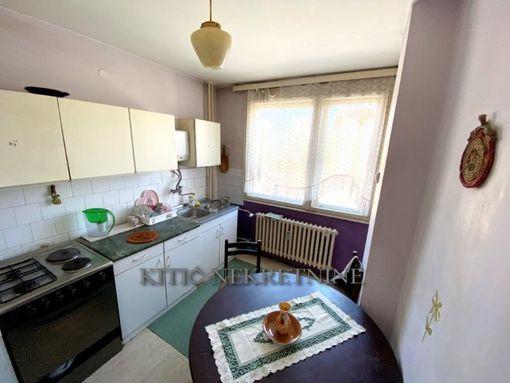 Prodajemo divno sređen četvorosoban stan kod Crvenog pevca - slika 3