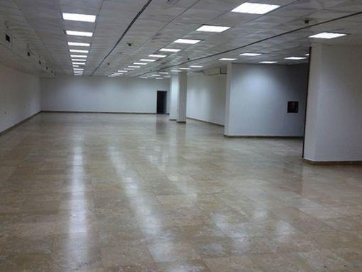 Izdaje se poslovni prostor 490m2 u centru Kragujevca - slika 3