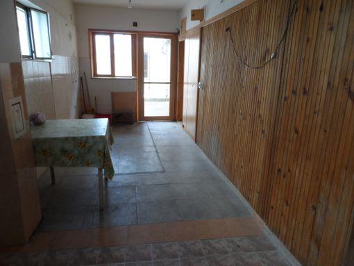 ODLIČNA PRILIKA - 5 dvosobnih stanova - 125.000e - slika 2