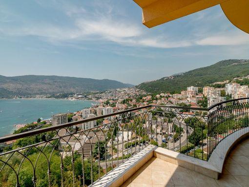 prodajem luksuzan trosoban stan u vili Bellevue u Herceg Novom, 108m2, 194 500€ - slika 2