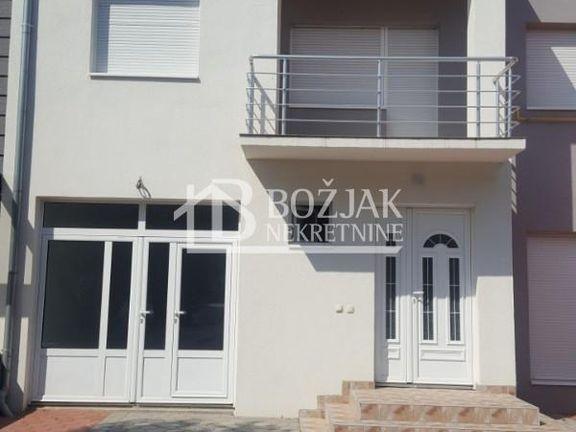 spratna kuća,Putnikovo, može biti i stambeni i poslovni prostor ID#1141