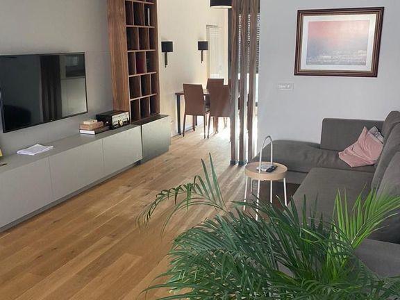 Izuzetan, luksuzan, trosoban stan na Vracaru