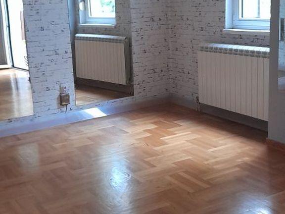 Kompletno renoviran trosoban stan u Mileševskoj ulici