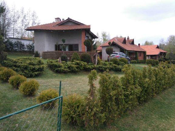 Prodajem vikendicu na Vlasini, blizu Vlasinskog jezera, sa prelepim pogledom i uređenim dvorištem