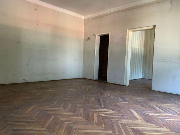 Salonski stan 105m2 - Senjak - Sajam - Bulevar Vojvode Mišića -Prvi sprat