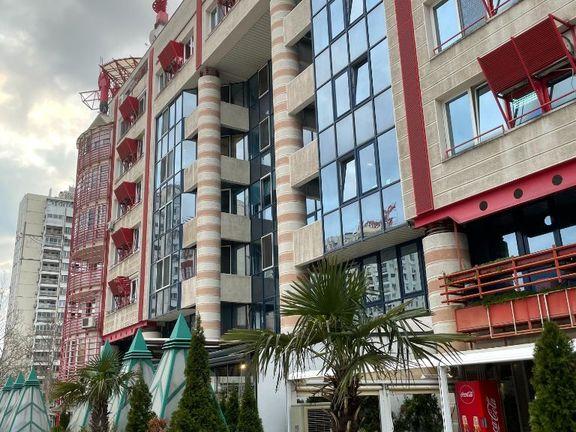 Yu Biznis Centar, Izdavanje stana