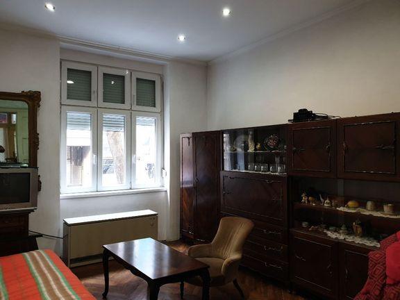 Prodajemo odličan trosoban stan-Knez Miletina , Dorćol
