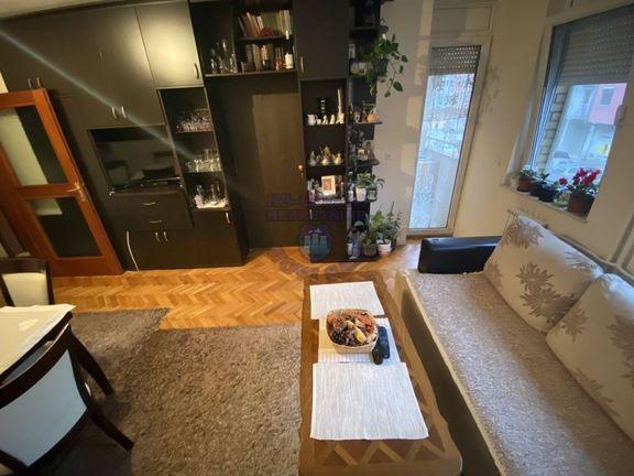 Fantastičan dvoiposoban stan na jednoj od traženijih lokacija