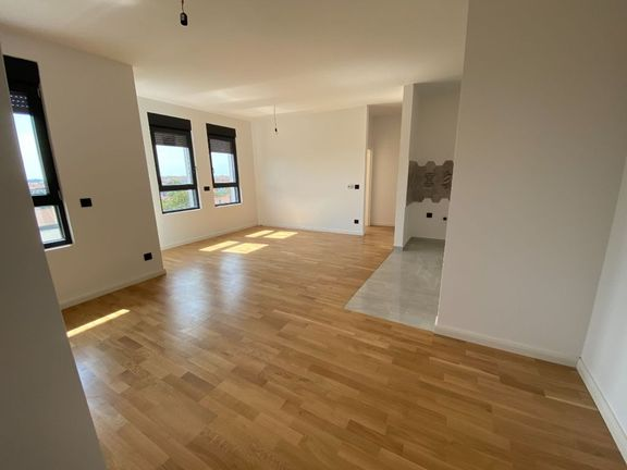 Zemun, Sutjeska, Ugrinovačka 85 m2 LUX Novogradnja