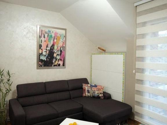 ~ prelep stan na mirnoj lokaciji - useljiv ~~