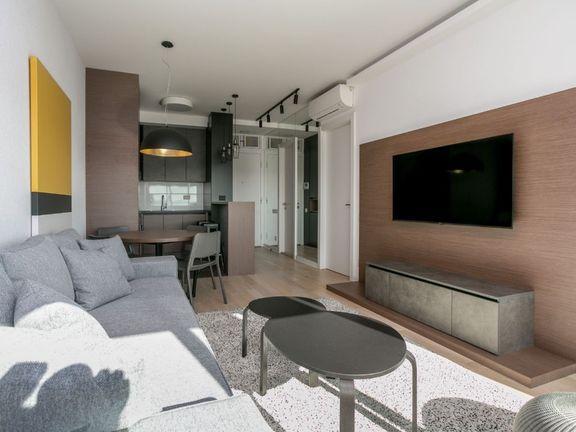 Luksuzan namešten dvosoban stan u ABloku 4 faza