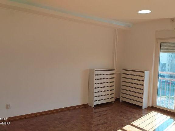 Novi  Beograd, blok 61, renoviran stan odmah useljiv