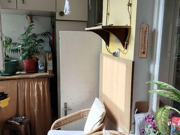 Odličan salonac  u Birčaninovoj ulici - za renoviranje