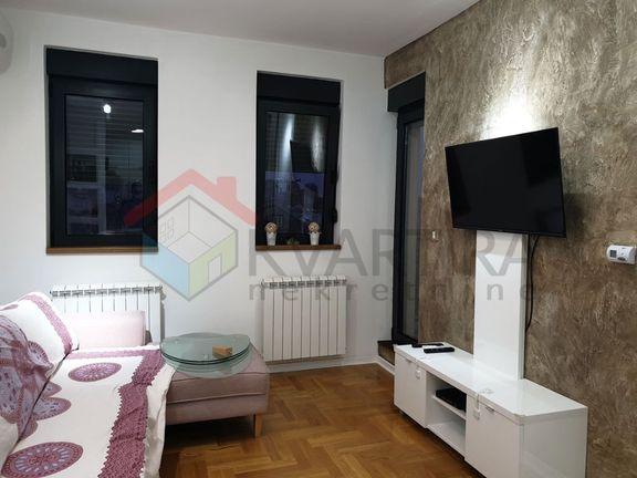 Zvezdara, 21 Divizije, novogradnja, kompletno DE-LUX opremljen 1.5 soban, uknjižen, 30 m2, 2.300 eur/m2