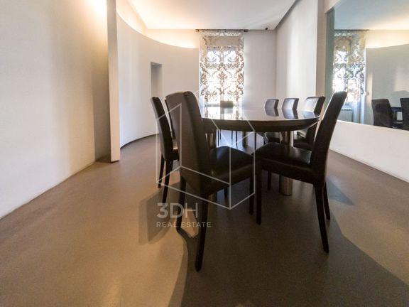 Luksuzan posl. prostor- stan, 250m2 centar kod BW
