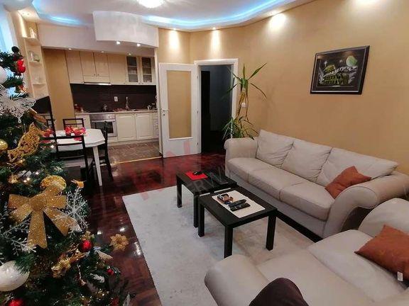 Ekskluzivna, svetla i moderna nekretnina na fenomenalnoj lokacija... ZA SVAKU PREPORUKU!!!