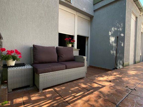 Dvosoban 47 + 52 m2, izuzetan, retko u ponudi, vlasnik