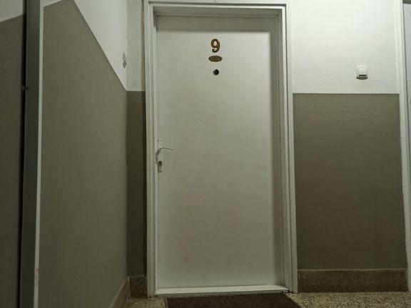 Prodajem stan u Vrnjackoj banji na extra lokaciji kod kruznog toka,potpuno renoviran,prodaje se sa sve nameatajem i belom tehnikom.Vlasnik 1/1