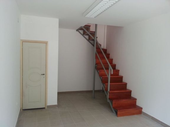 Duplex lokal u zasebnom objektu * Kanarevo Brdo