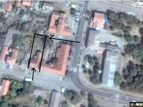 Kuca sa lokalima  u centru Starceva(20 km od Beograda)