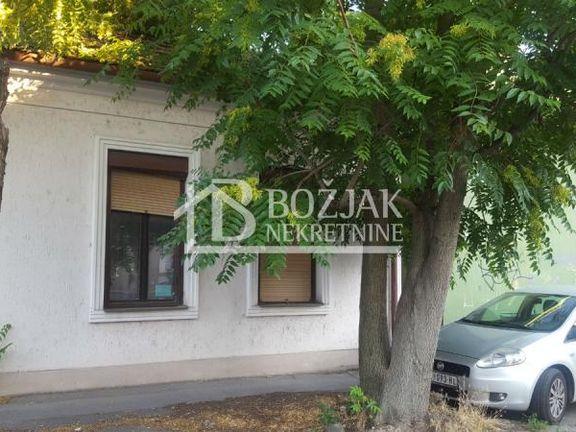 kuća u centru grada, pogodna za stanovanje i poslovni prostor ID#1136