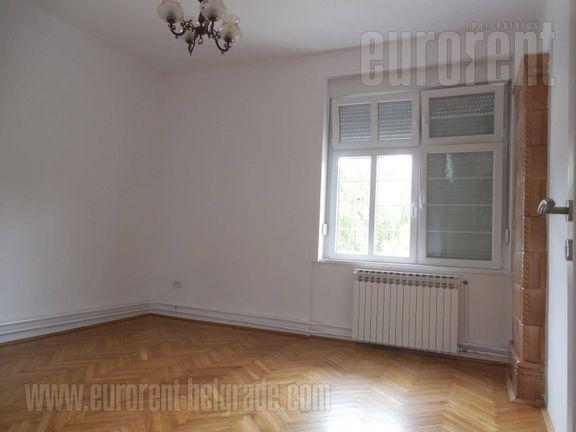 #37535, Izdavanje, P.P., PROFESORSKA KOLONIJA, 1000 EUR
