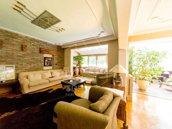 Jedinstvena prilika! Luksuzna kuća na B. Kosi