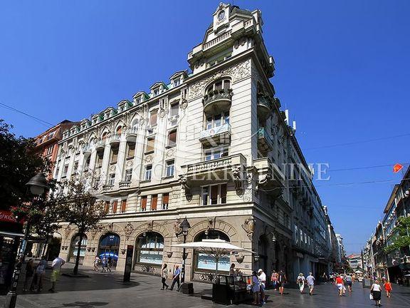 Izdaje se stan u centru Beograda