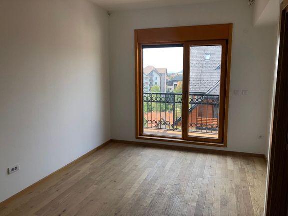 Apartmani 150m od Hotela Mona, 71m2