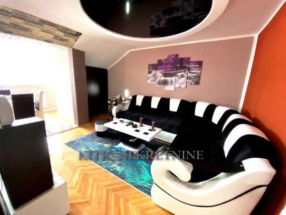Renoviran dvosoban stan u Durlanu sa nameštajem