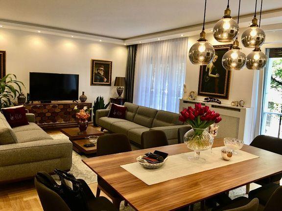 Prodajemo divno sređen trosoban stan u blizini Tašmajdana