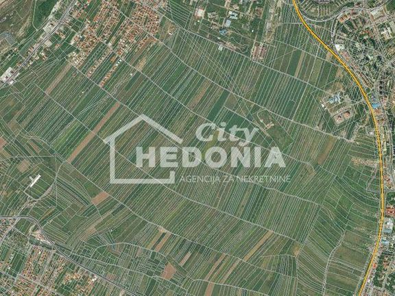 Atraktivan građevinski plac na Čukarici ID#6351