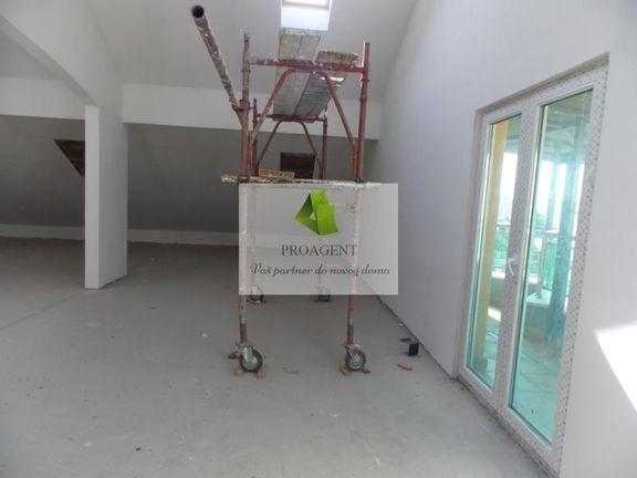 Poslovni prostor u Duvaništu