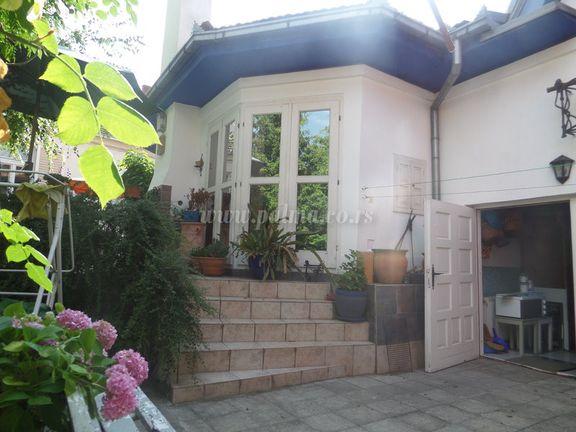 prodajem, kuća samostalna kuća, Kragujevac Centar