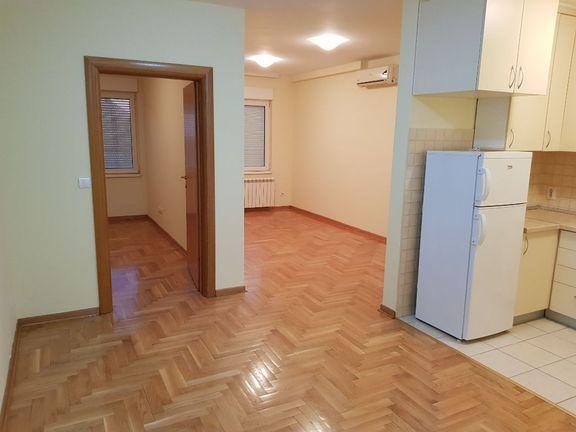 Dvosoban stan, Dušanovac, Lekino Brdo, Voždovac